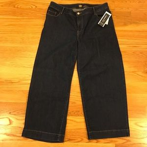 Old Navy Jeans - NWT Old Navy High Waisted Wide Leg Jean